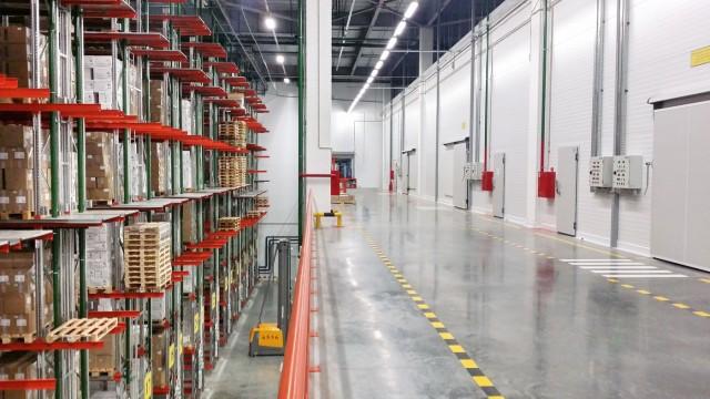 Увеличение полезной площади склада с помощью лифтовых систем